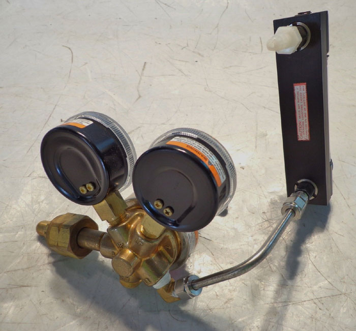 SMITH PRESSURE REGULATORS 30-150-580 -OR- 30-100-320 -OR- 30-100-350 AVAILABLE