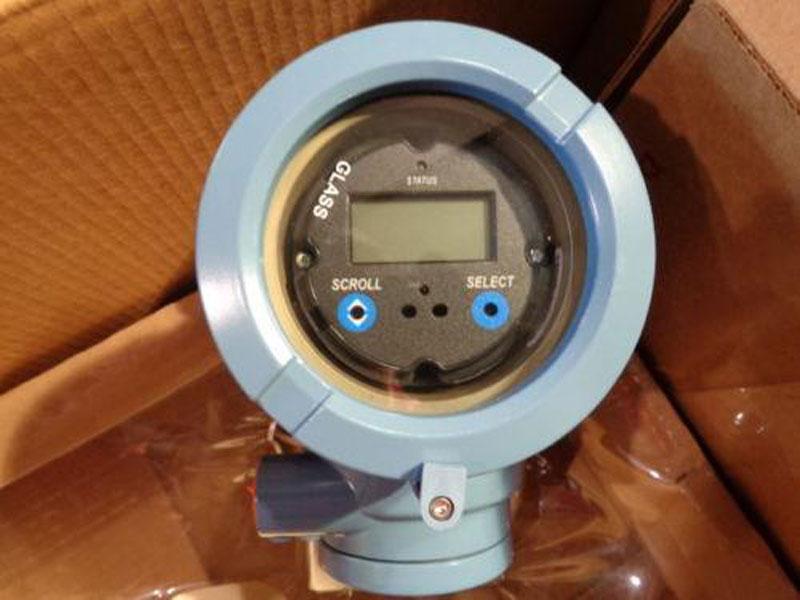MICRO MOTION TRANSMITTER -  MODEL: 2700R11BBAEGZZ  (EE)