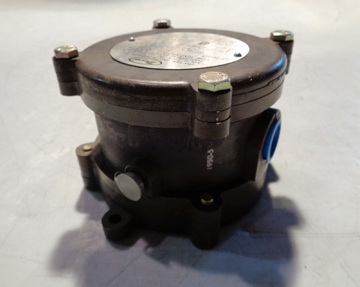 DWYER DIFFERENTIAL PRESSURE SWITCH 1950-5-2-F