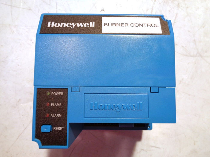 HONEYWELL PRIMARY BURN CONTROL FLAME SWITCH RM7823 A 1016