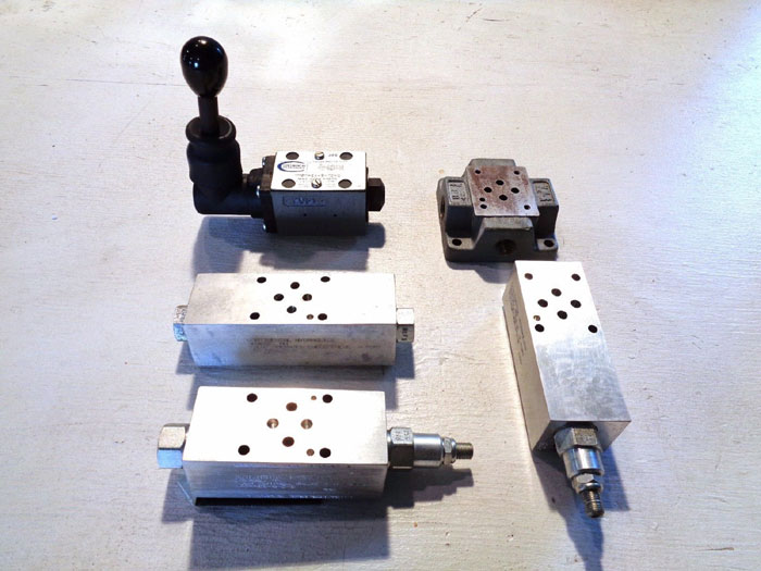 CONTINENTAL HYDRAULICS DIRECTIONAL CONTROL VALVE KIT VM5M-2A-G-10-C
