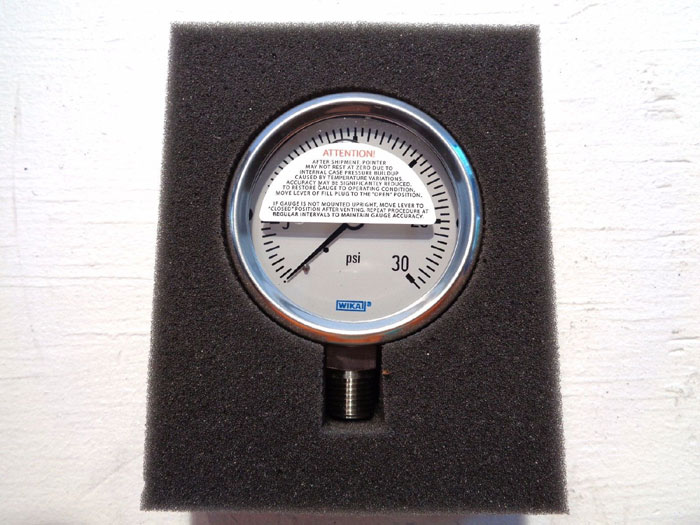 "LOT OF (4) WIKA 30 PSI 2.5"" PRESSURE GAUGES, TYPE: 23353, PART#: 9768726"
