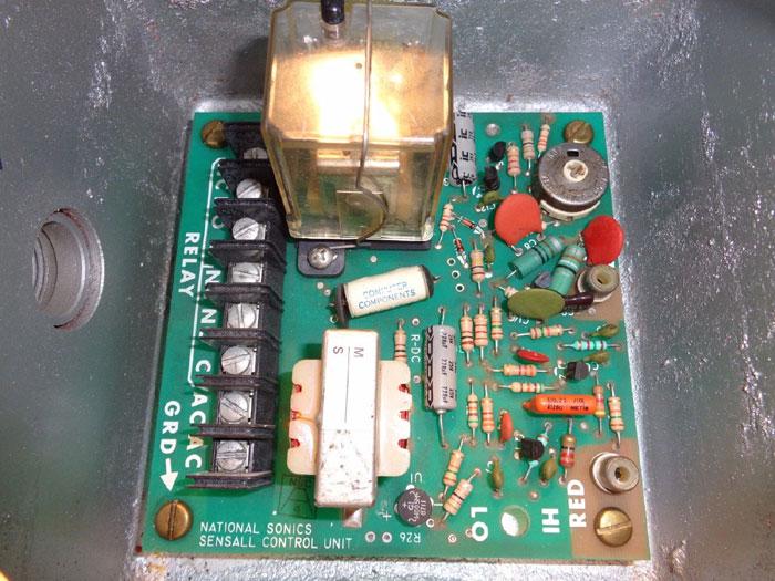 XERTEX SENSALL CONTROL 407C1AX W/ APPLETON HOUSING GUB-1-2-32