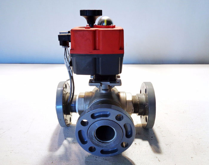 "VALWORX 2"" CF8M 3-WAY ACTUATED BALL VALVE W/ CPVC FLANGES, #561085A, #561101A"