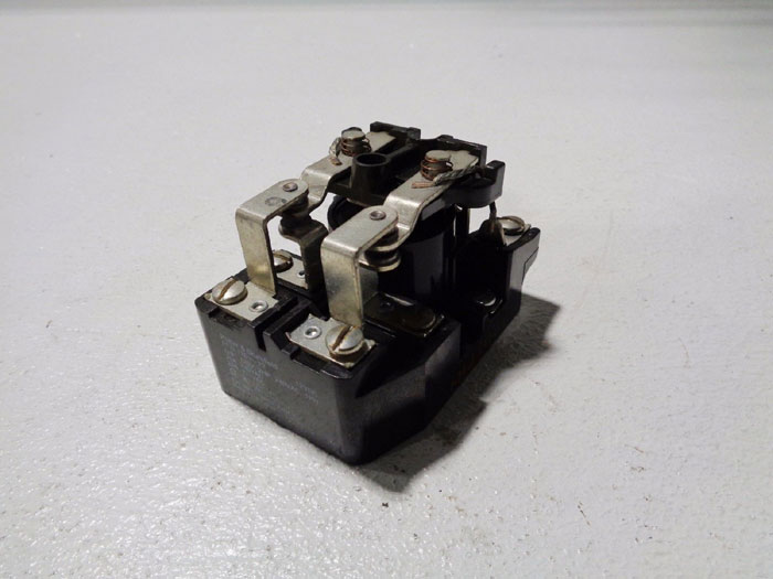 LOT OF (8) POTTER & BRUMFIELD POWER RELAY PRD-11DY0-12 & PRD11DH0