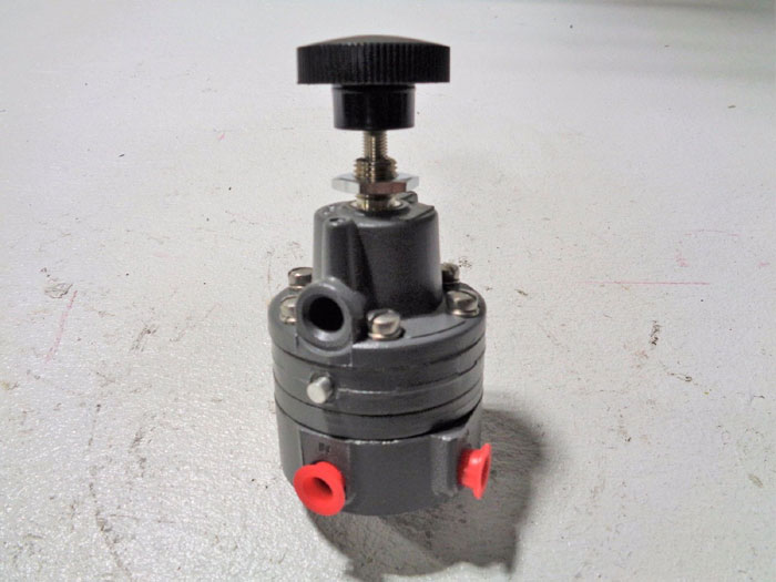 MOORE NULLMATIC PRESSURE REGULATOR 41-30