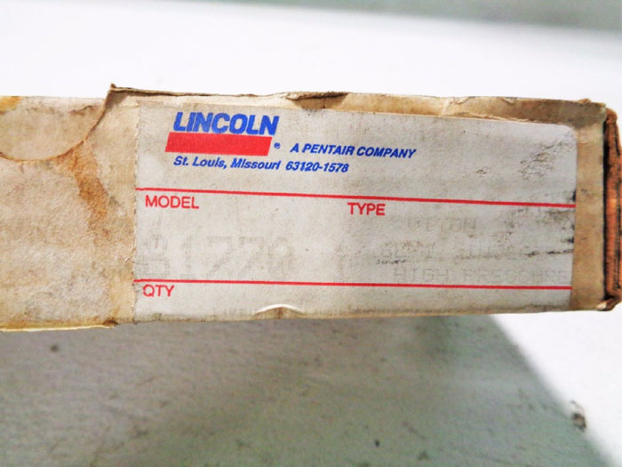 LOT OF (2) LINCOLN CENTRO-MATIC SL-1 INJECTOR ASSEMBLY 81770-1