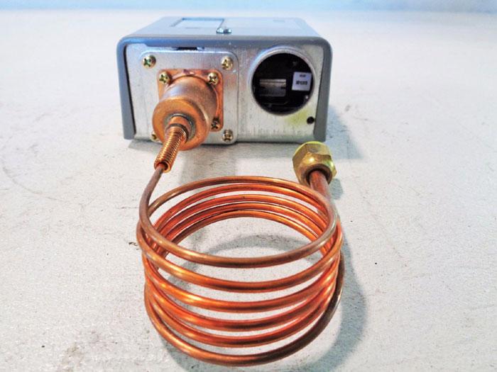 JOHNSON CONTROLS ALL RANGE PRESSURE CONTROLLER P72AA-27C