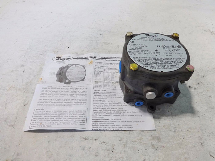 DWYER EXPLOSION PROOF DIFFERENTIAL PRESSURE SWITCH 1950-0-2F