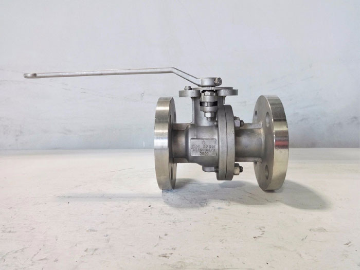 "QUADRANT 1-1/2"" 300# CF8M FLANGED FLOATING BALL VALVE 3605"