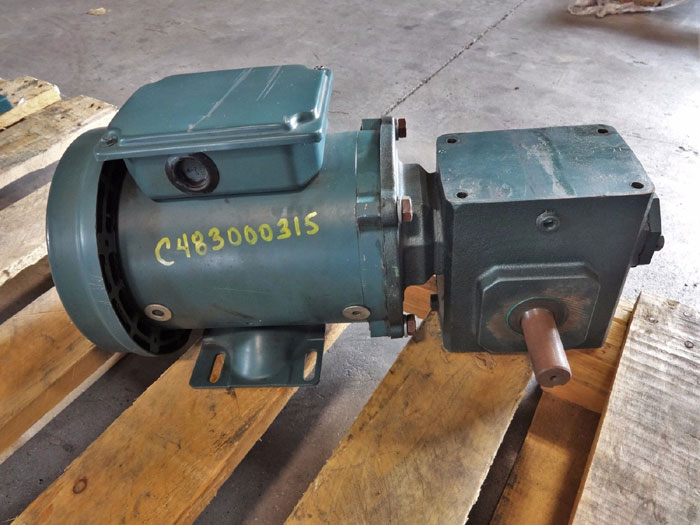 GROVE GEAR FLEAXLINE SPEED REDUCER TM0218-3 W/ RELIANCE ELECTRIC S2000 MOTOR