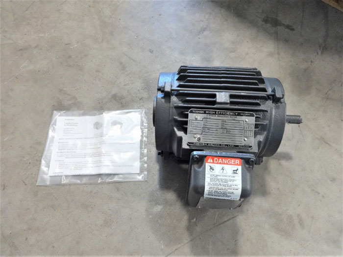 TOSHIBA HIGH EFFICIENCY 3-PHASE INDUCTION MOTOR .5 HP TYPE IK MODEL 4PAX50N3GCNZ