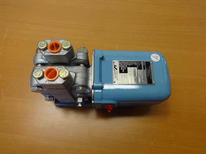 FOXBORO DIFFERENTIAL PRESSURE TRANSMITTER 13A-MS2