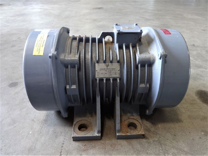CLEVELAND VIBRATOR CO. INDUSTRIAL VIBRATOR RE-24-6BK