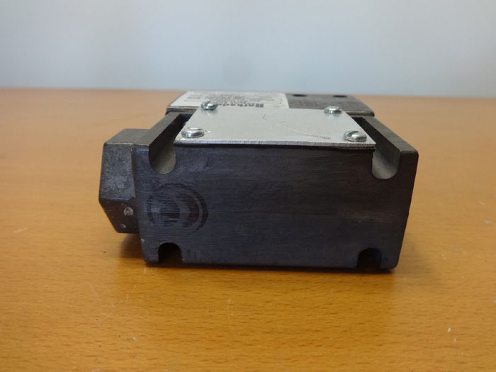 BARKSDALE PRESSURE SWITCH 96101-AA2