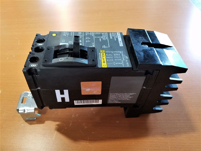 SQUARE D 60 AMP, 2 POLE CIRCUIT BREAKER FH26060AB