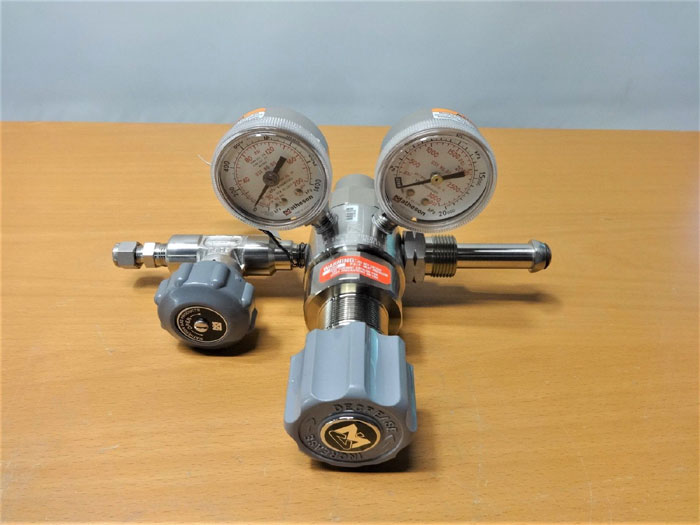 MATHESON DUAL STAGE HIGH PURITY REGULATOR, STAINLESS STEEL M3810-590-S