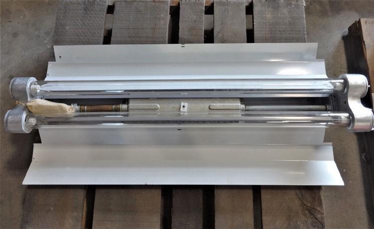 APPLETON ELECTRIC TYPE EFU EXP. PROOF FLUORESCENT LIGHTING FIXTURE AVH210-277