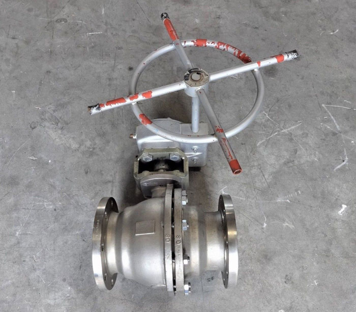 "PENTAIR KTM 6"" 150# CF8M GEAR OPERATED SPLIT BODY BALL VALVE EB11M / EB100"