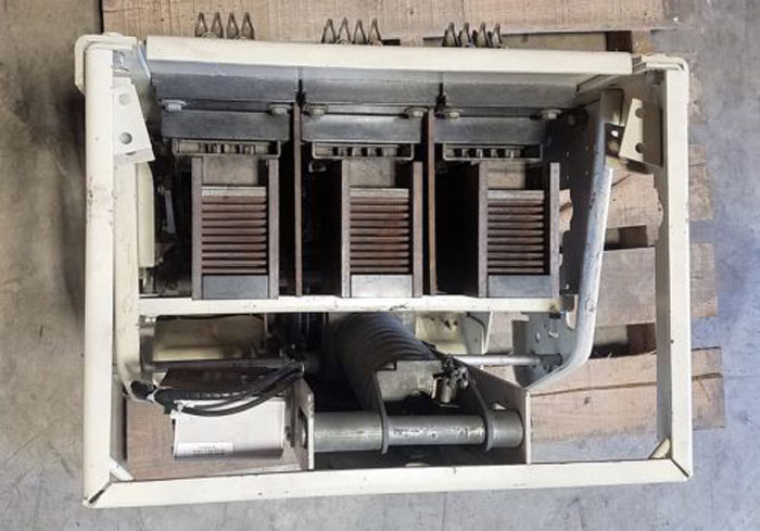 GE GENERAL ELECTRIC AK 3A-50 LOW VOLTAGE POWER CIRCUIT BREAKER 228A-5365-42