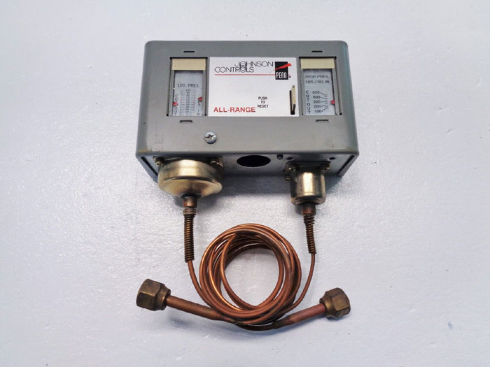 Johnson Controls Penn P70MA-1 Refrigeration All Range Dual Pressure Controller