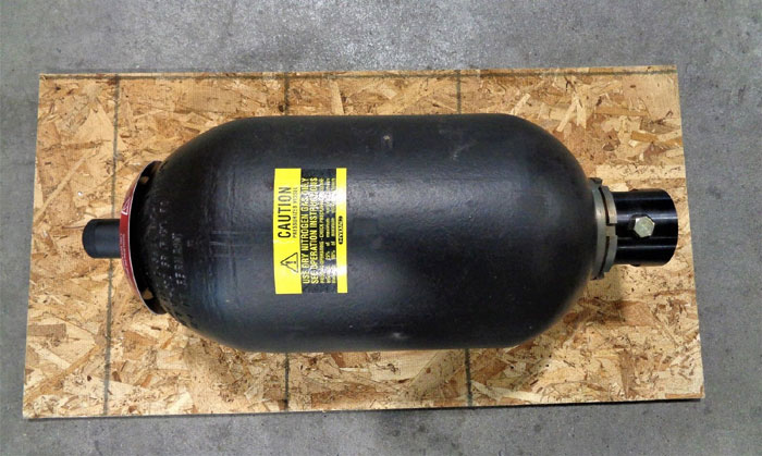 Hydac 2.5 Gallon Accumulator, 3000 PSI, Type SB330-10A1/116S-210C, Part# 0250024