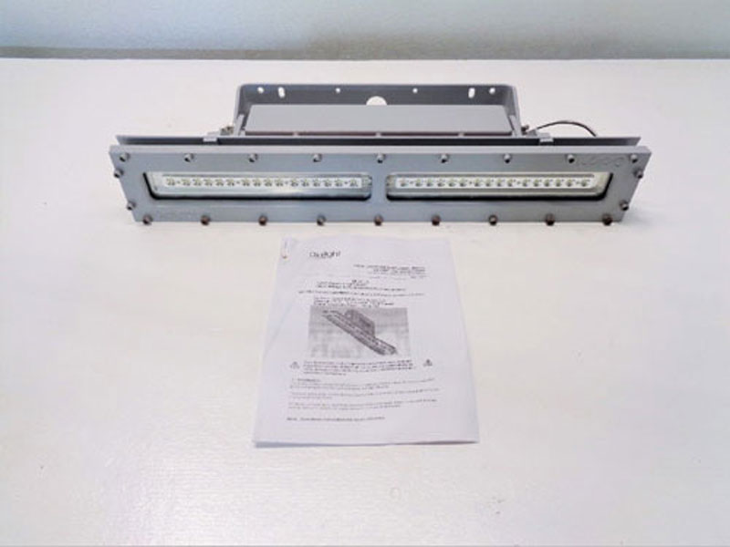 Dialight Safesite LED Linear Fixture LSC3C4D3GEXDR, 33 Watt, 100-277 Volt