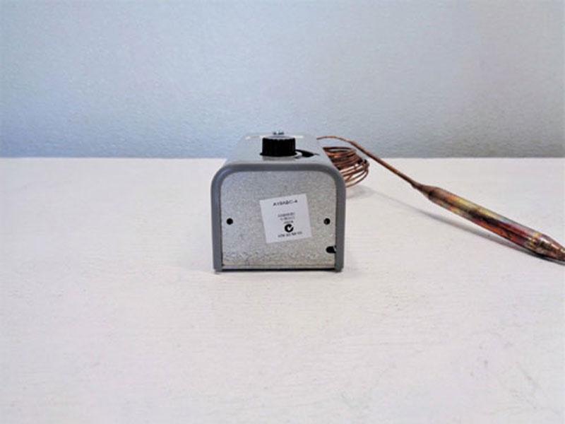 Lot of (2) Johnson Controls Temperature Control A19ABC-4C